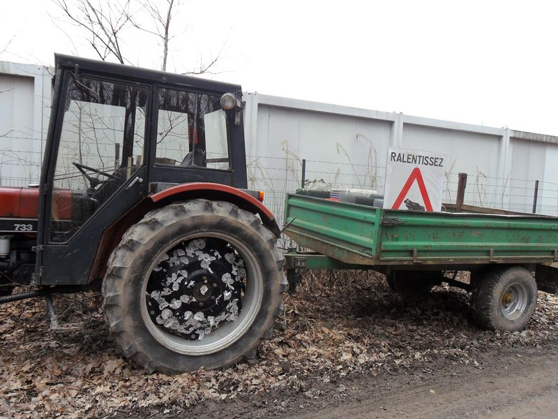 installation des barrières provisoires pour batraciens au Moulin Thorez